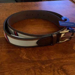 NWT Men's casual Tommy Hilfiger belt, size 40.